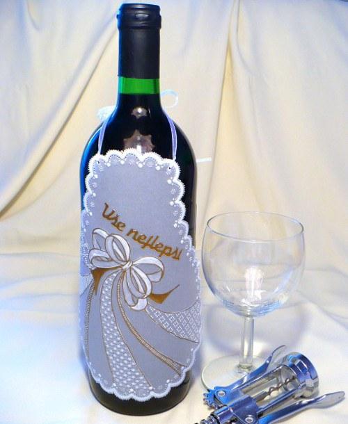 138. Zástěrka na láhev vína