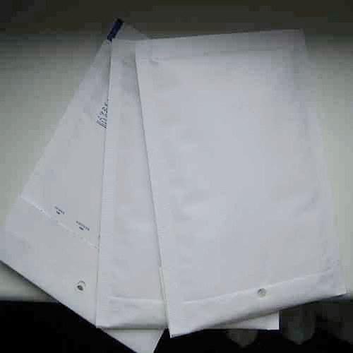 Bílá bublinková obálka A11/ 120x165mm/ 5ks
