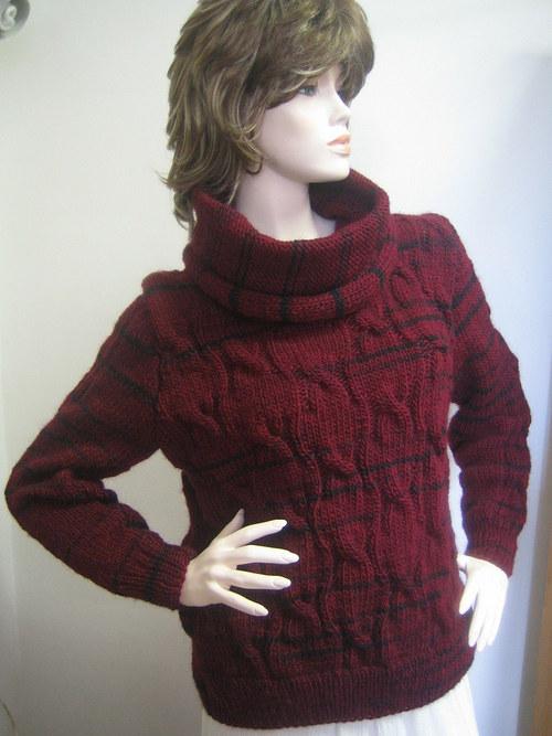 bordó  svetr s volným rolákem
