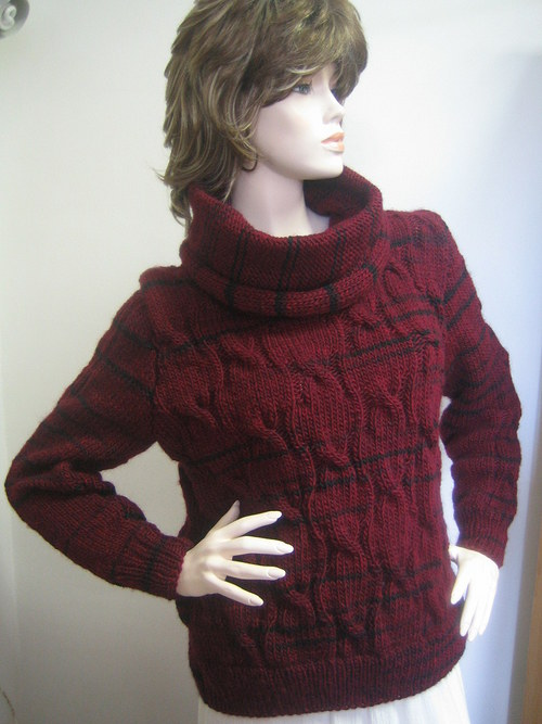 bordó  svetr s velkým chomoutem