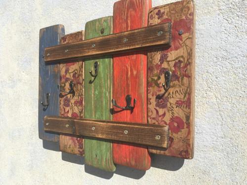 Věšáček na klíče barevný