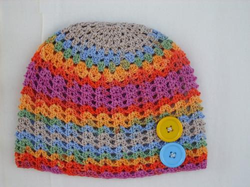 Barevná letní čapka