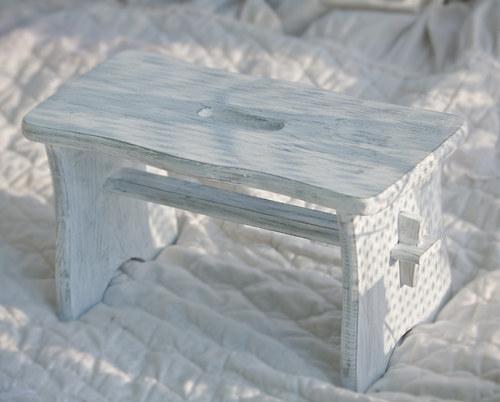 stolička-šedá patina