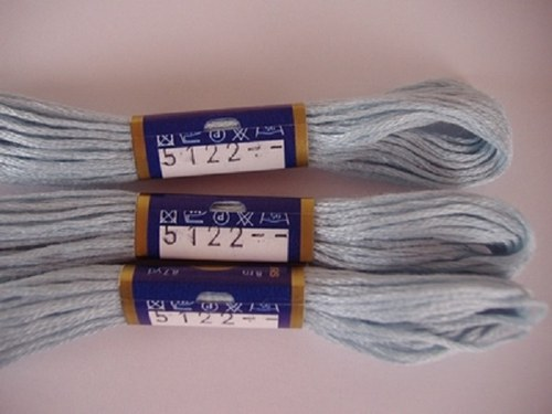 Vyšívací příze mouline - prachová modrá