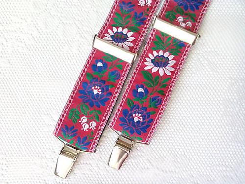 Folklore suspenders (red)
