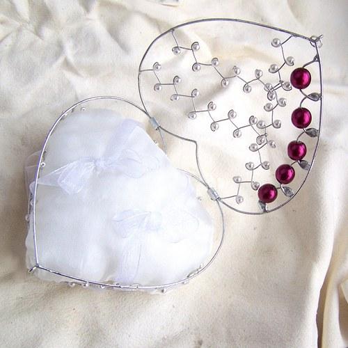 Srdeční krabička perličková bordó - se zavíráním