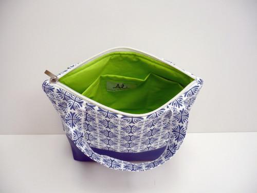 Toaletní taška s uchem - geometrie