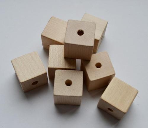 Dřevěný komponent - kostka 2,2 cm (2 ks)