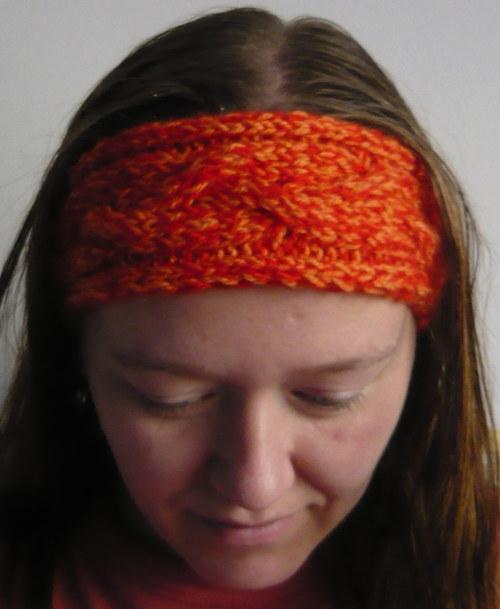 Oranžovočervená pletená čelenka