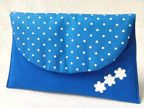 BonBon pochette (blue/white dots)