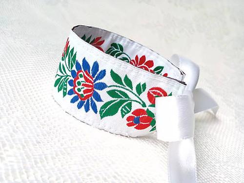 Slovak folklore bracelet (white)