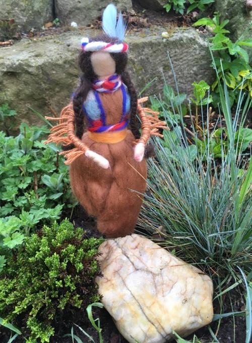 Plstěná -Indiánská dívka z kmena Apačů - Meskalero