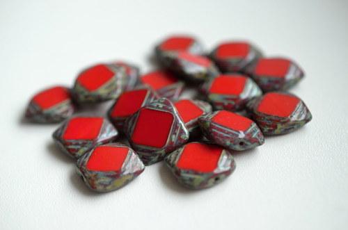 Ploškované čtverečky s travertinem, 15x15mm, 20ks