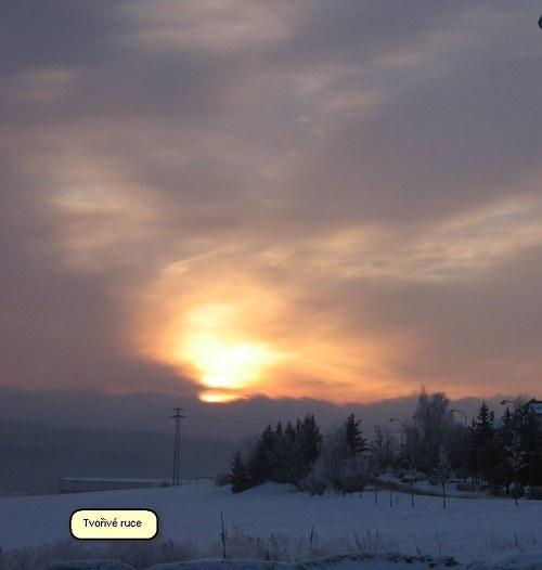 Zima...východ slunce u nás.