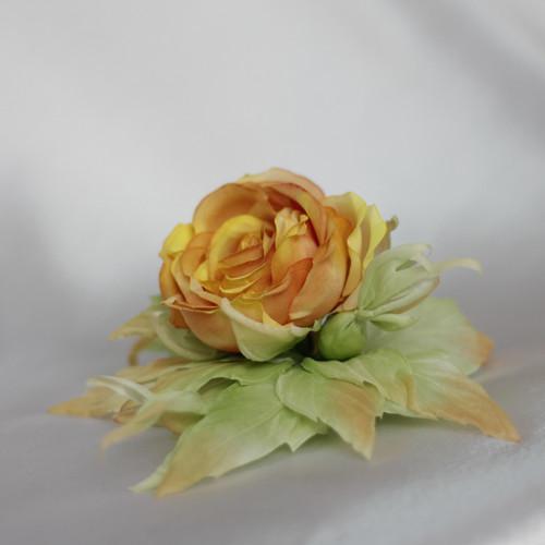 Růže z hedvábí