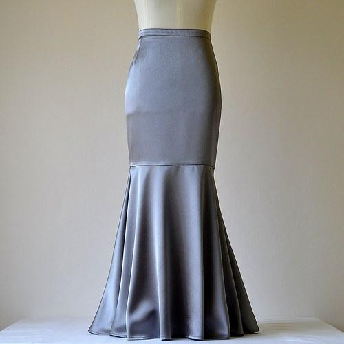 Saténová sukně šedostříbrná (sleva z 1279,-Kč)