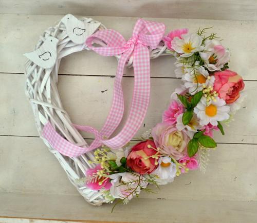 romantické srdce s tulipány a ptáčky