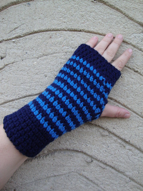 Bezprstové rukavice tmavě modré
