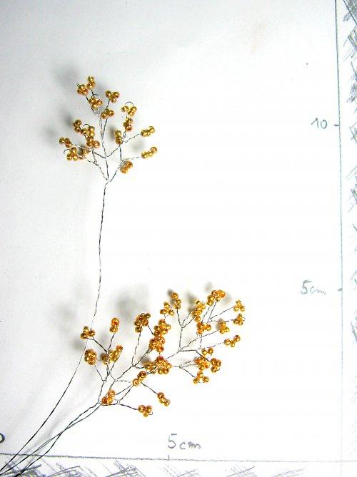Doplněk do kytice korálkový zlatý