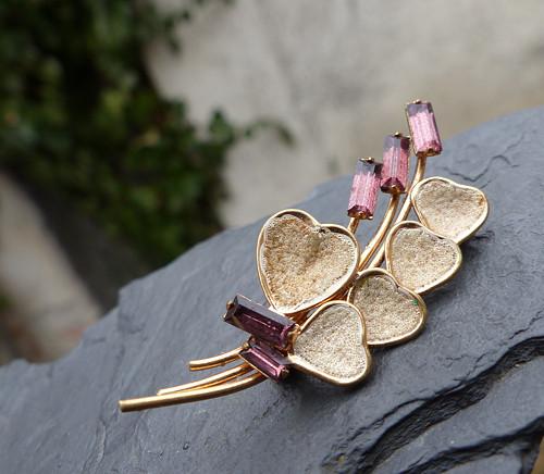 Pět květů ze srdce...bižuterní brož