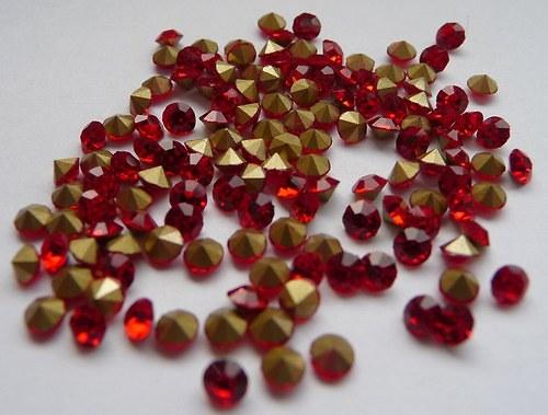 šatony červená 2mm 30 kusů