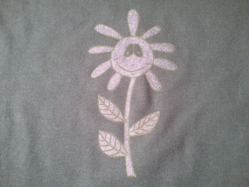 Zelené tričko kytka po flámu