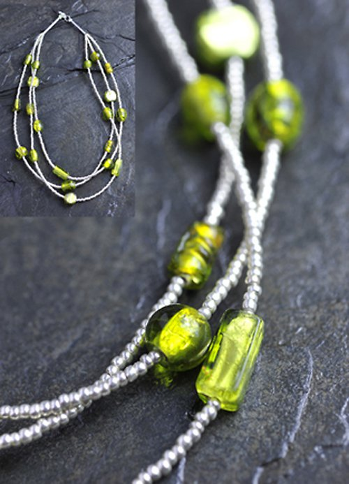 Stříbrný náhdelník - zelené korálky N0021G