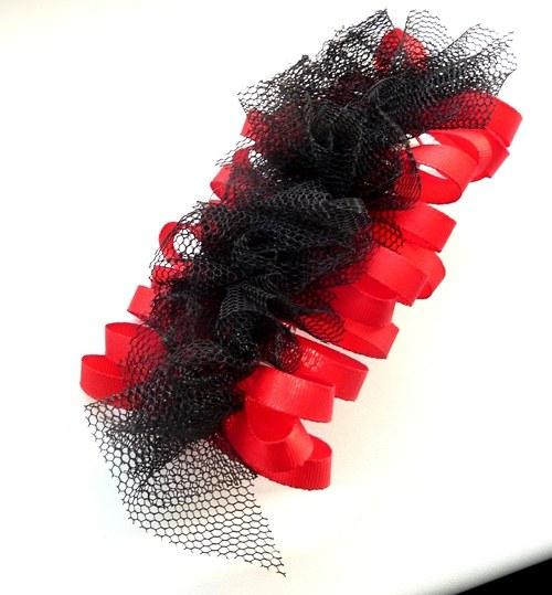 Červená s černou