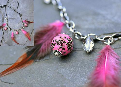 Náhrdelník růžové korálky - peří N0066P