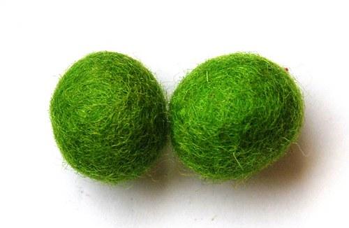 2 ks - plstěné kuličky zelené 20mm