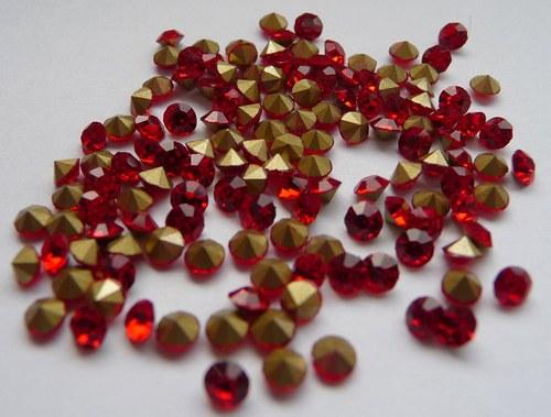 šatony červená 3,4mm 20 kusů