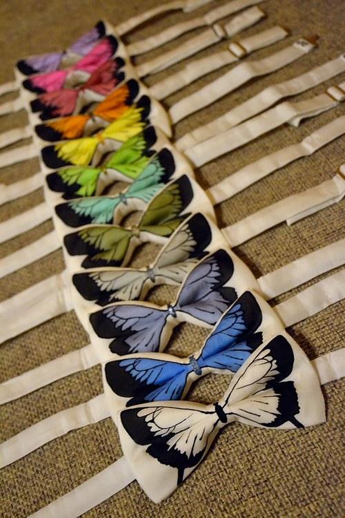 Motýlek - bílý s motýlem