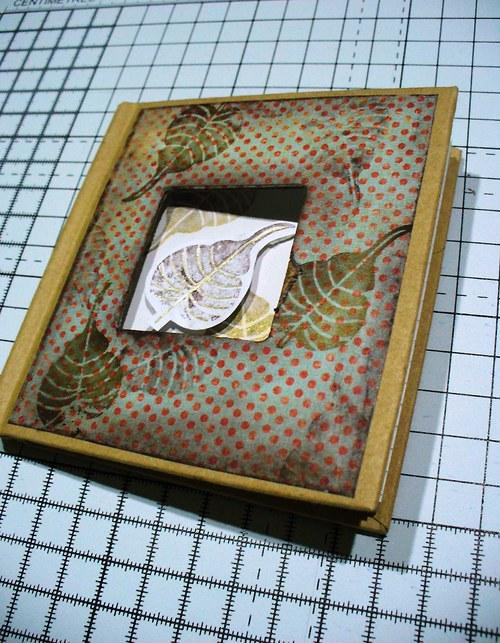 zápisník s okienkom