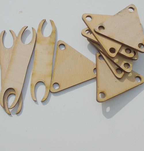 Karetky trojúhelníkové překližka
