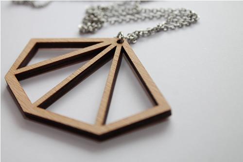 Dřevěný diamant z vějíře