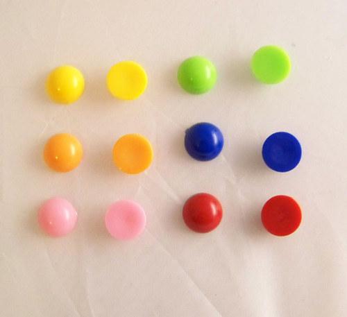 Akryl. čočka PASTEL vyšší/ / žlutá/ 14mm/ 10ks