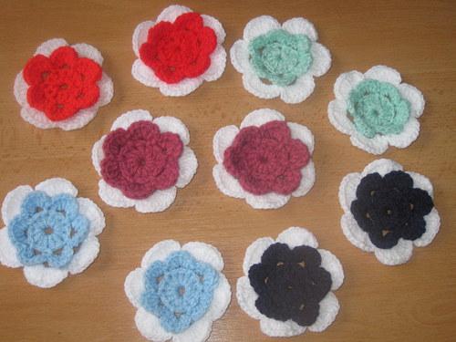 háčkované kytičky barevné