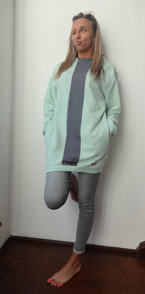 Mikino-šaty se stojáčkem