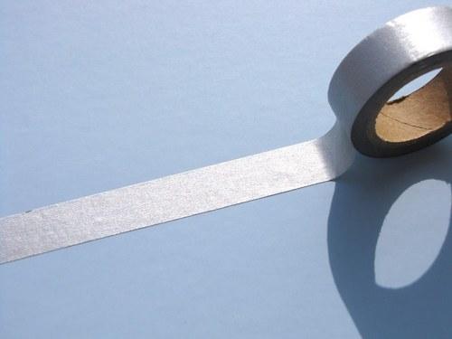 Páska: Stříbrná (1,5 x 33 cm)