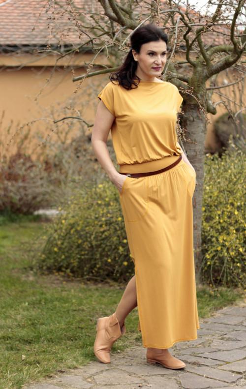 Hořčícové dlouhé šaty