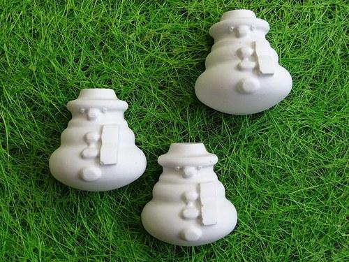 Sádrová dekorace sněhulák