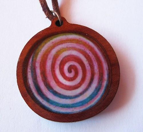 Mandala špirála energie - prívesok v živici