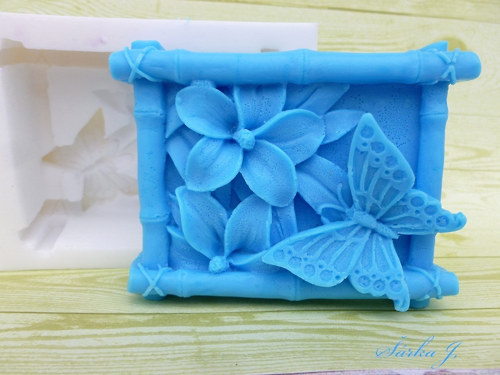 silikonová forma na odlévání mýdel - motýl