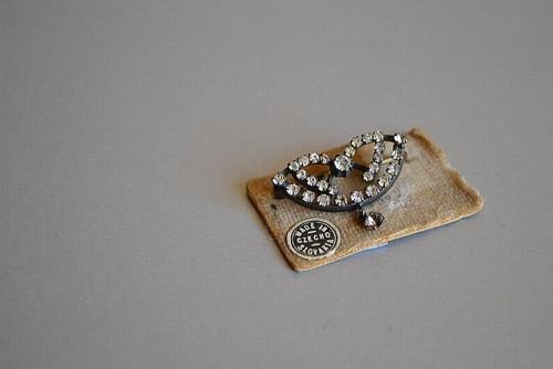 Něžnosti - brož, imitace diamantového šperku