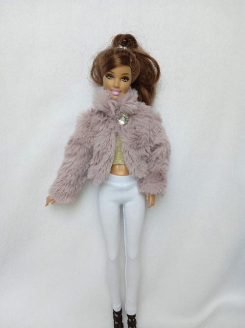 Kožíšek pro Barbie