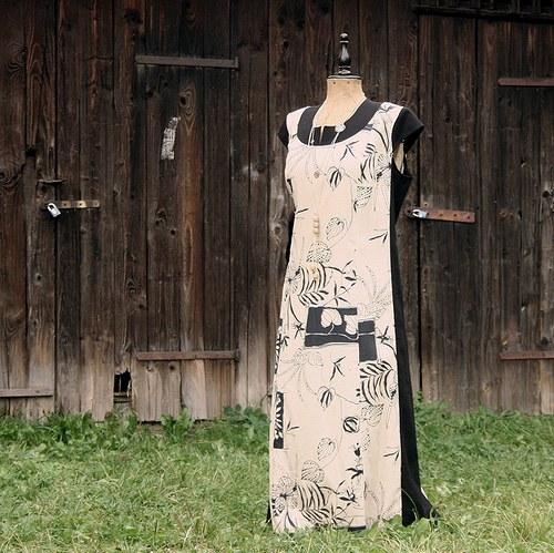lněné šaty 48