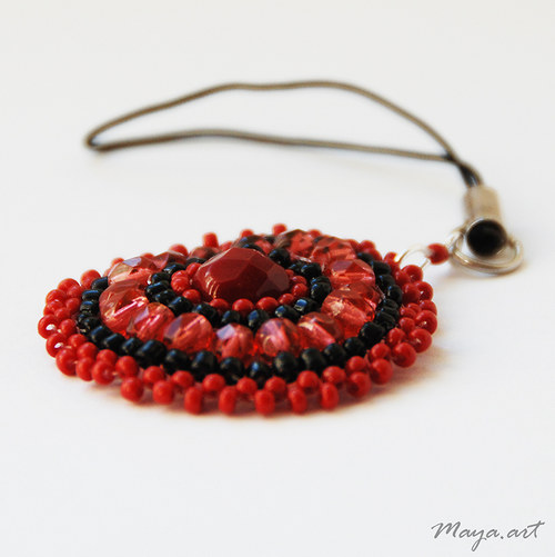 Přívěsek - červené šité kolečko