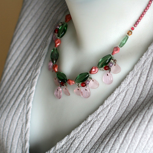 náhrdelník skleněné korálky pestrobarevný
