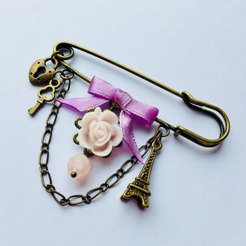 Romantická fialková brož