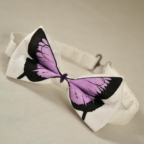 Motýlek - bílý s fialovým motýlem